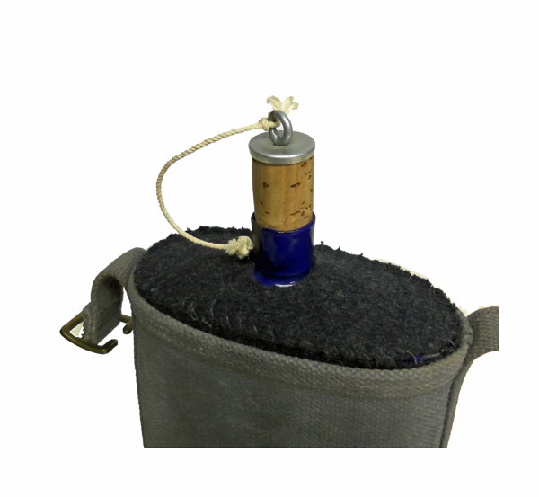 British-Surplus-WWII-Style-Canteen-with-Cover-3
